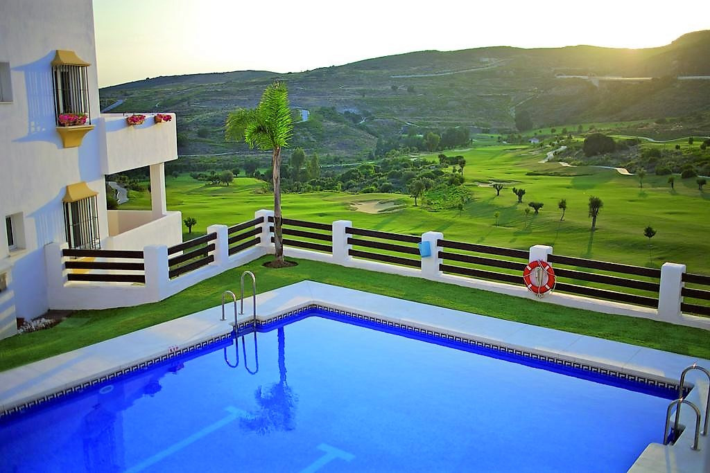 Located on the beautiful Valle Romano Golf Resort.  This immaculate apartment belongs to a perfectly,Spain