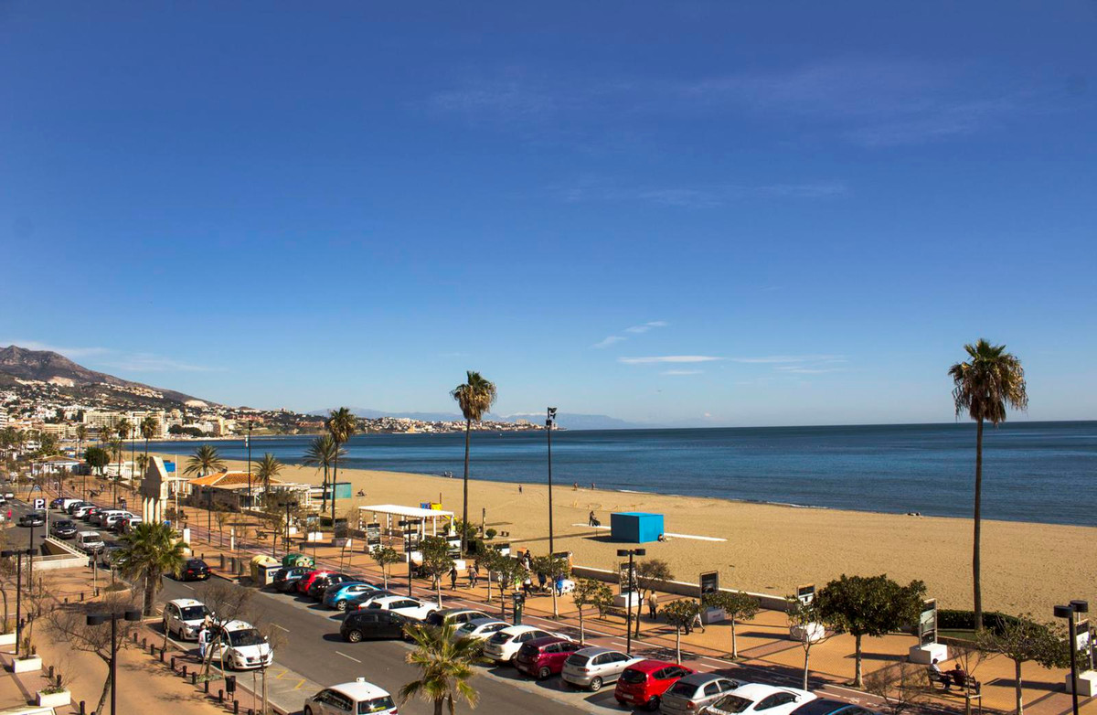 A great apartment right on the beach in Fuengirola with amazing sea views and lots of restaurants wi, Spain