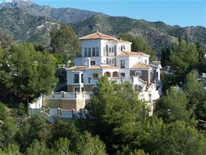 An outstanding villa set in a most exclusive area with easy access to the motorway system and the ne,Spain