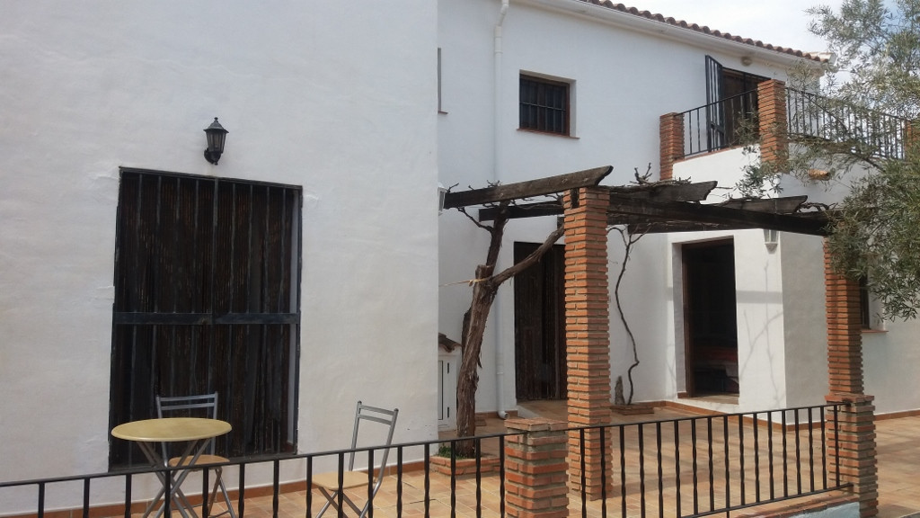 REDUCED to €185,000 from €220,000 buy motivated vendors  4 bedroom Country Cortijo with Pool and lan,Spain