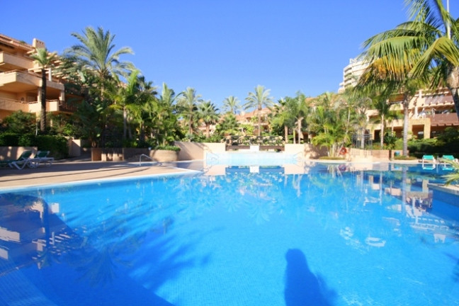 Modern 2 bedroom 2 bathroom apartment + WC located 900 mtrs from the beach in the Rio Real area (8 m,Spain