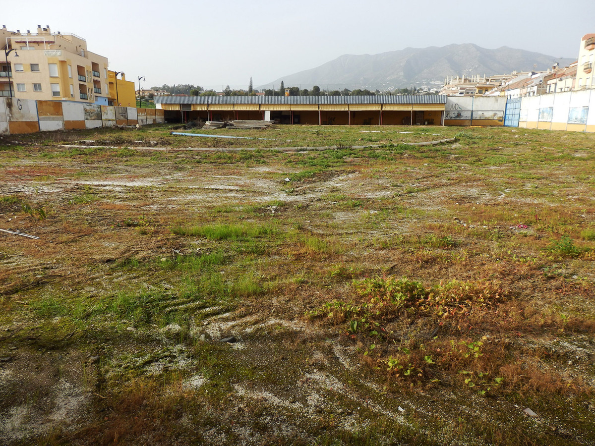 Residential plot for sale in Mijas Costa 2380sqm  To build up to 3 floors plus attic floor. 3 minute,Spain