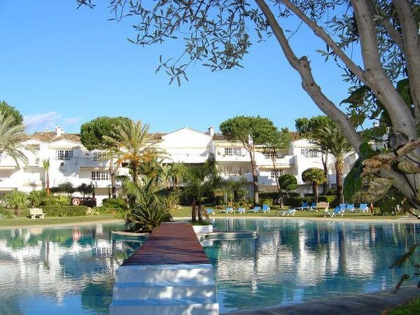 Two bedroom, two bathroom apartment in popular El Presidente complex.  The apartment is well present,Spain