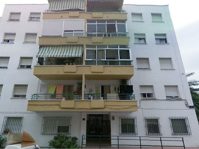 Bank repossession for reform nice and bright and spacious apartment in the village, close to all ameSpain