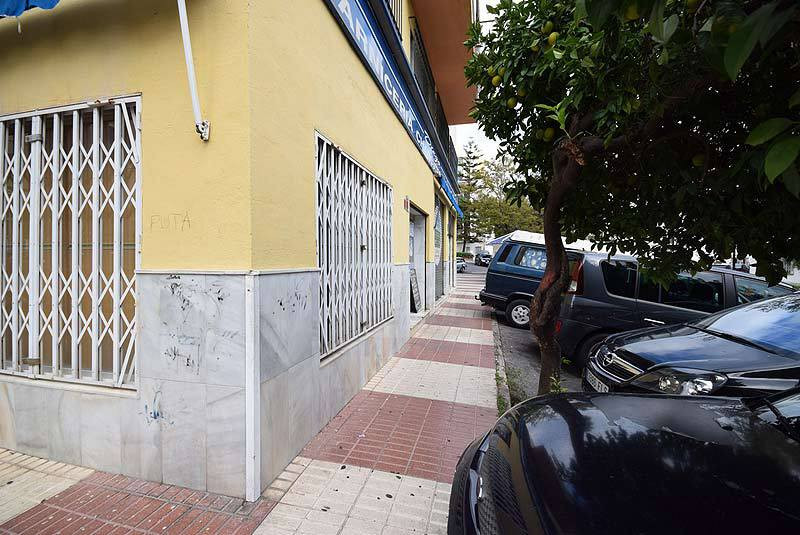 It sold equipped  butcher shop in the city of Marbella  80 square meters on the ground floor and 80 , Spain