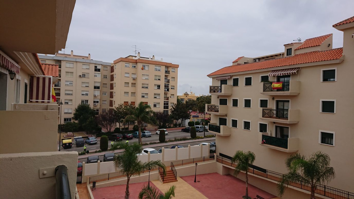 Fabulous apartment at a 5 minutes walk from the beach. Near the port, shops and schools.  Ground Flo,Spain