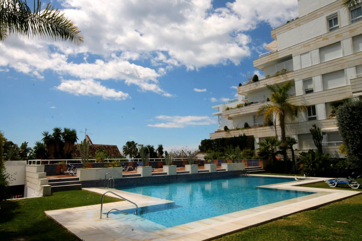 Apartment with 2 bedrooms on the beach front  Fantastic 2 bedroom, 2 bathroom apartment (main en sui,Spain