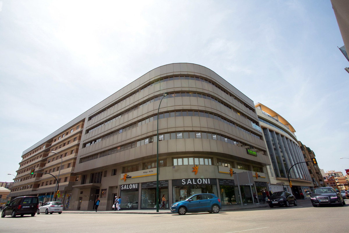 In the heart of the city, and 1 minute from Ave de Malaga (Mª Zambrano) and Bus Station, with parkin,Spain