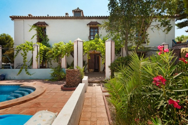 Originally listed for 895,000€ and recently reduced to 699,000€. This stunning 8 bedroomed Spanish c,Spain