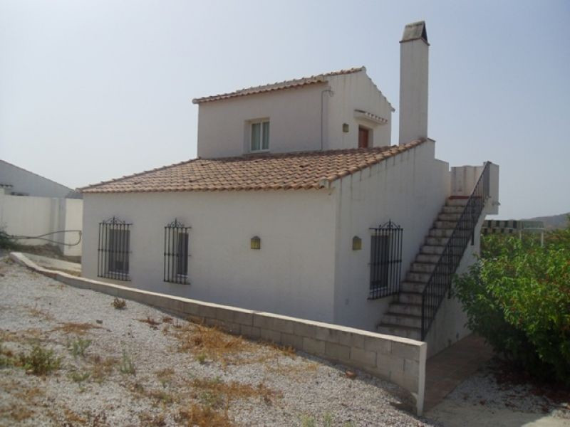 This is a 4 bedroom 2 bathroom independent villa with a private swimming pool. Situated in the popul, Spain