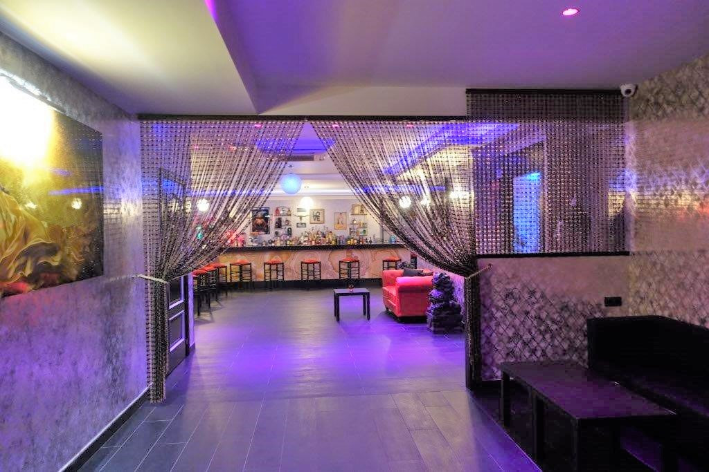 LEASEHOLD - Bar with music license located in a busy area, beachside, with easy road access and next,Spain