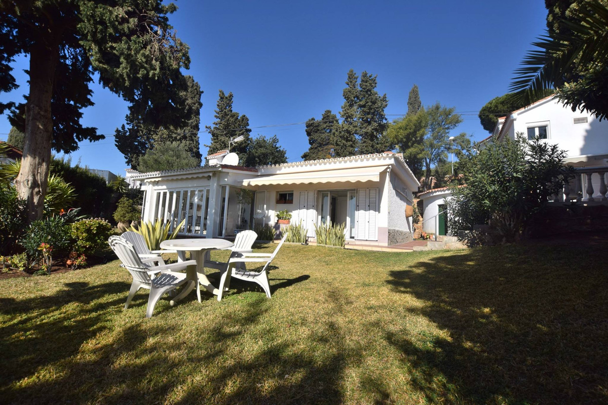 Superb Villa located in the higher part of Torreblanca, Fuengirola As soon as you walk down the step,Spain