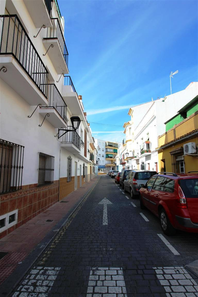 Ground floor property in the old town of Estepona. With a good renovation this property has great po, Spain