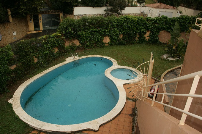 Spacious 4 bedroom villa on three levels.  Just after the little shopping and restaurant strip of Ja,Spain