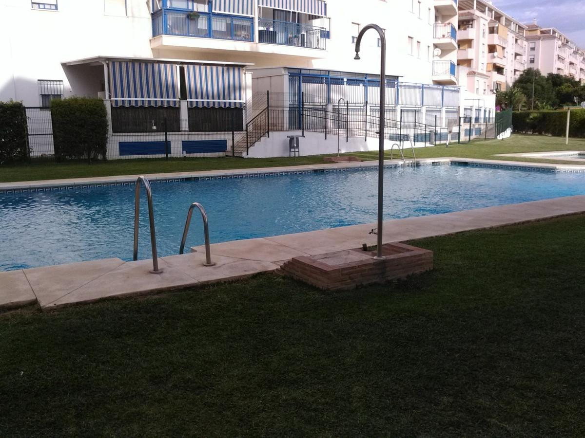 Middle Floor Apartment, Estepona, Costa del Sol. 3 Bedrooms, 2 Bathrooms, Built 90 m², Terrace 20 m²,Spain