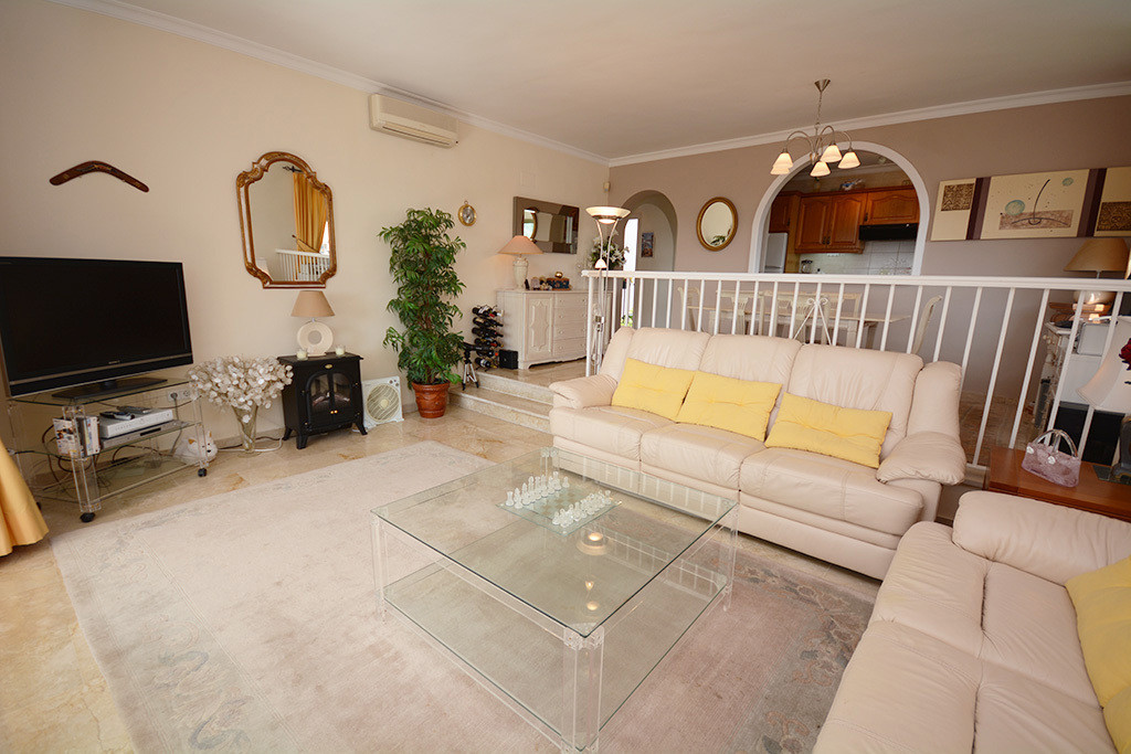This two bedroom middle floor apartment is located in the district of El Paraiso - Situated in the c, Spain