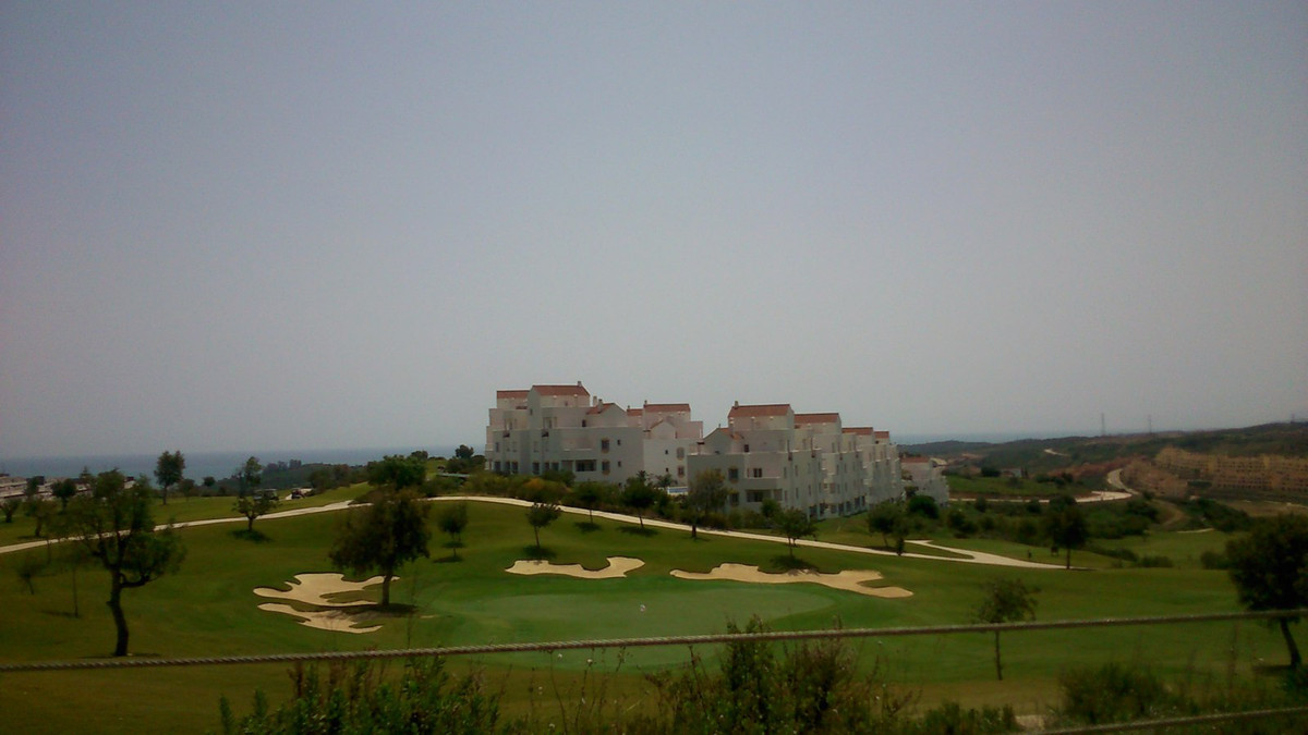 Frontline golf apartment, Valle Romano Perfect home for golfers. On the golf course and walking dist,Spain