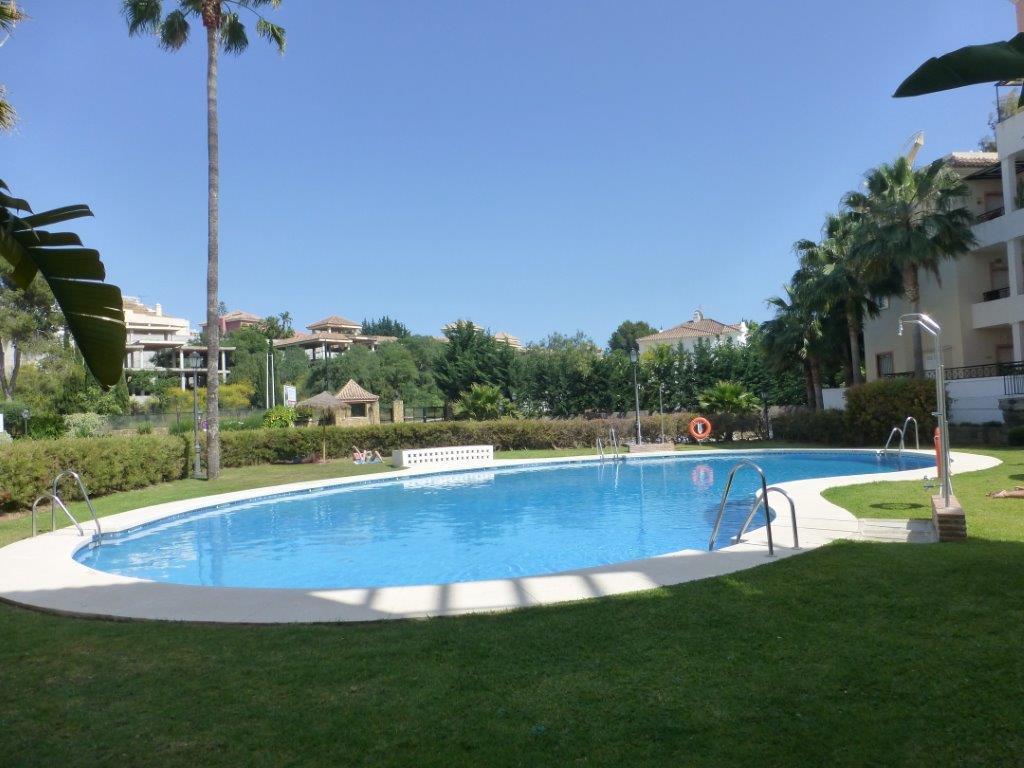 Unique Ground Floor Apartment with Golf Views !! 3 bedroom, 2 bathroom apartment located in an enclo, Spain