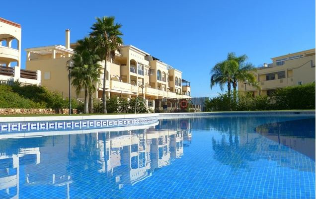 Magnificent apartment located in Mijas Costa, near the racecourse. It has 2 bedrooms with fitted war,Spain