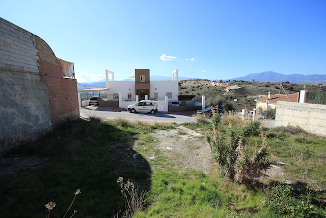 Urban plot in Sierra Gorda with permission to build a 250m2 property.   The plot has been full excav Spain