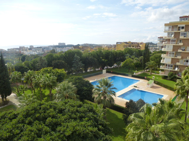 Lovely one bed apartment with fantastic panoramic south west facing views in the heart of Arroyo de ,Spain