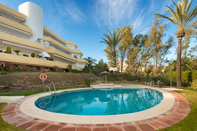 Beautifully presented apartment located in a very sought after community situated on the very presti, Spain