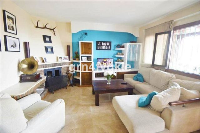 townhouse for sale completely renovated and equipped. 3 rooms with possibility of one more. two larg,Spain