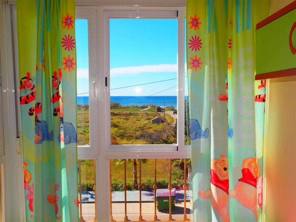 Beautiful apartment in the center of El Morche with spectacular views to the sea, has a living room ,Spain