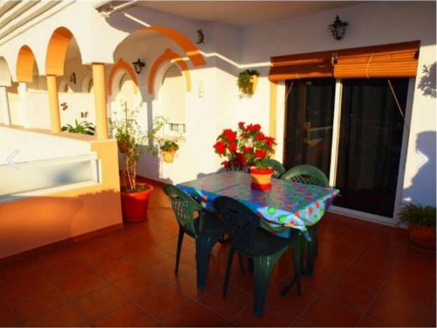Spacious apartment with 3 bedrooms and two bathrooms. Large terrace with afternoon sun and sea views,Spain