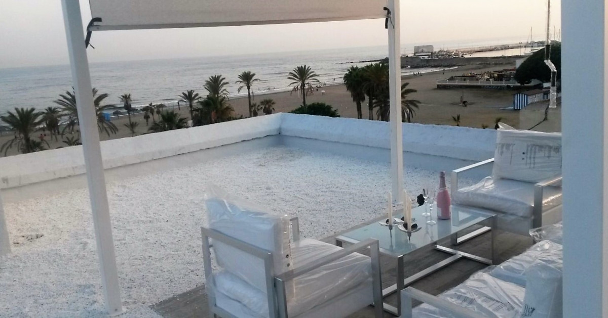 GREAT PROPERTY FOR BUSINESS GOOD FOR NIGHT CLUB, BAR, CAFE, MASSAGE SALON PANORAMIC SEA VIEW FIRST L,Spain