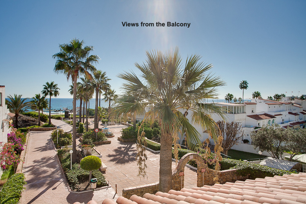 Lovely beach side townhouse in a beautiful community just 100 meters away from the beach.  This love,Spain