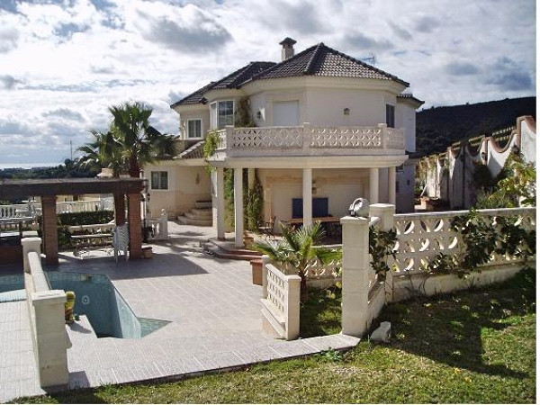 Magnificent villa located in Urbanization. Forest Hills in Estepona. It has incredible views of the ,Spain