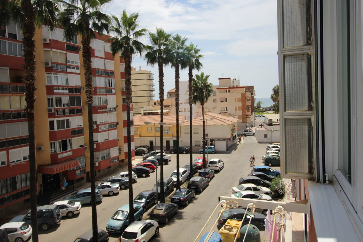Excellent fully renovated Studio in Torre del Mar. The studio consists of a living and dining room, , Spain