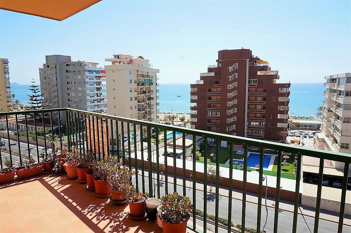 BRIGHT AND SPACIOUS APARTMENT IN PRIME LOCATION! SOLE AGENCY - This well planned and very bright and,Spain