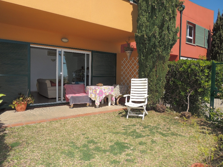 Nice townhouse with private garden and panoramic sea views located in one of the best areas of Benal,Spain
