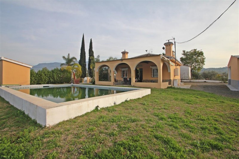 Finca for sale in Alhaurin el Grande, with 2 bedrooms, 2 bathrooms and has a swimming pool (Private), Spain