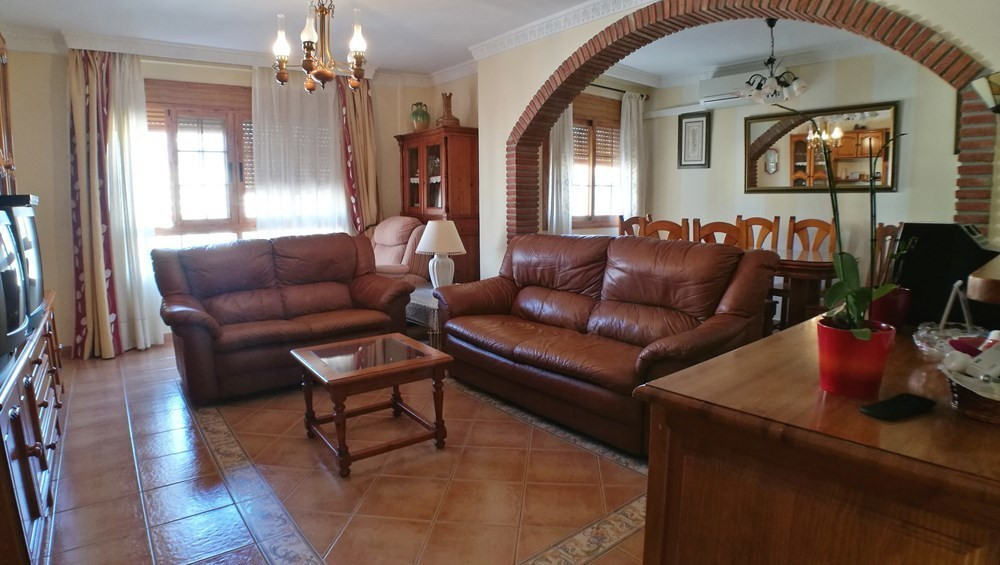 Exclusive apartment for sale in Huerta Nueva area of Estepona. This property has 2 bedrooms; the thi,Spain