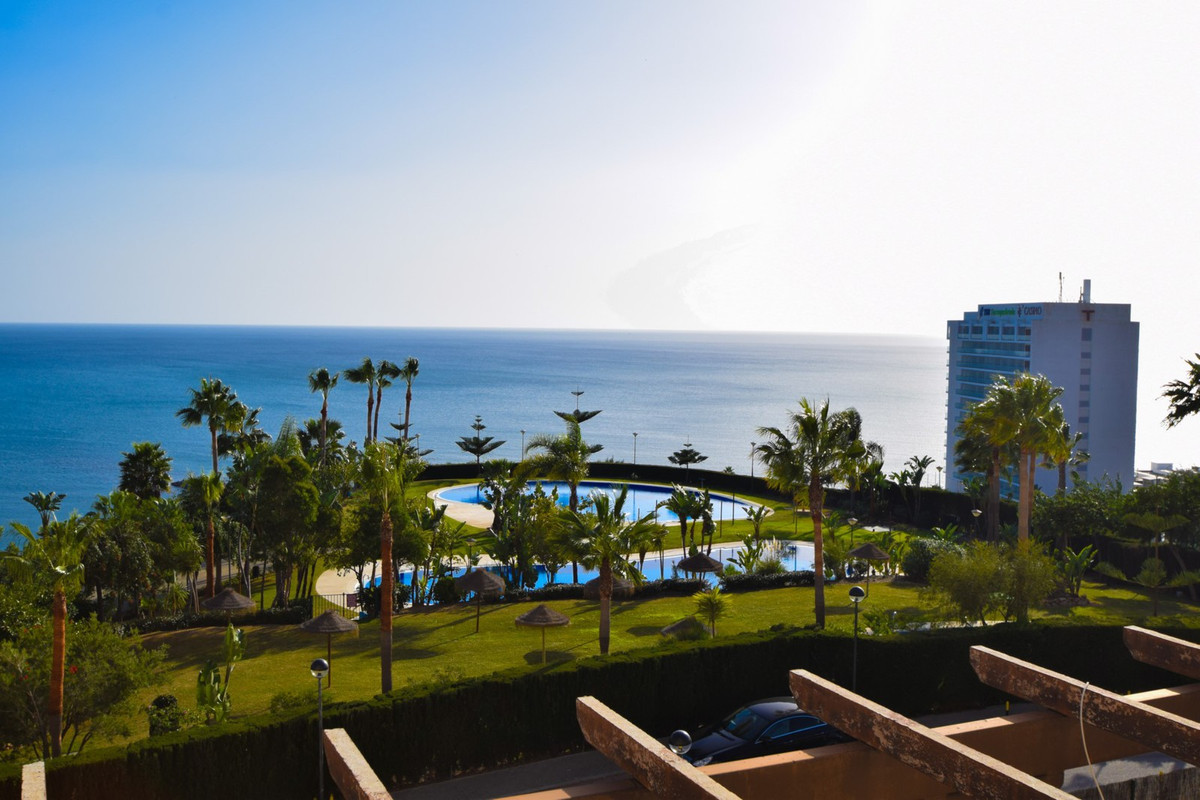 IMPRESSIVE DUPLEX WITH SPECTACULAR CONFERENCE!!!!  3 MINUTES WALKING FROM THE BEACH!!!!!! Distribute,Spain