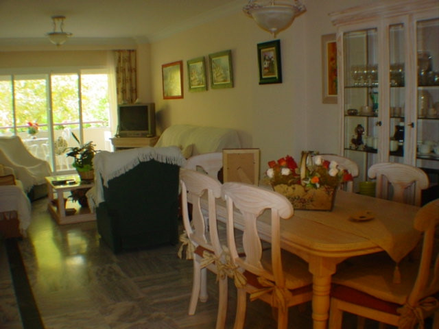 Central two bed apartment situated in a new building very close to the beach. North facing, the acco,Spain