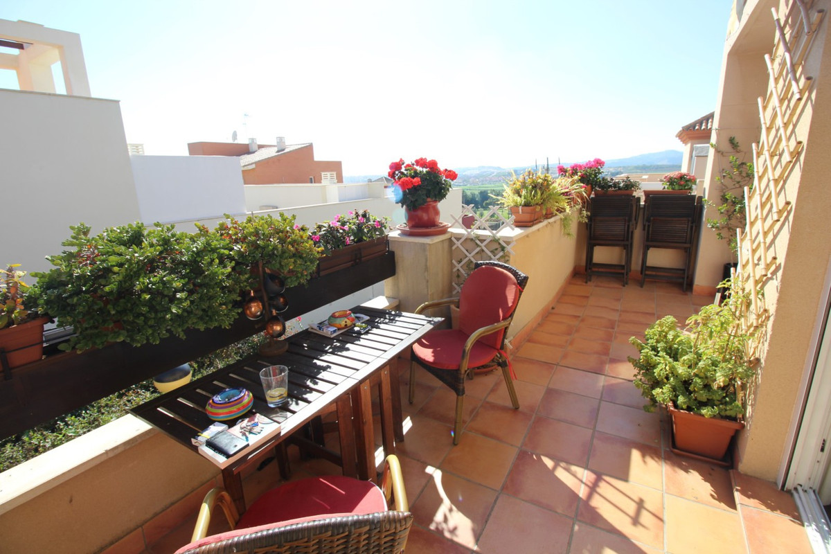 Wonderful first floor apartment in one of the best areas of La Caleta de Velez, on a small Residenti, Spain