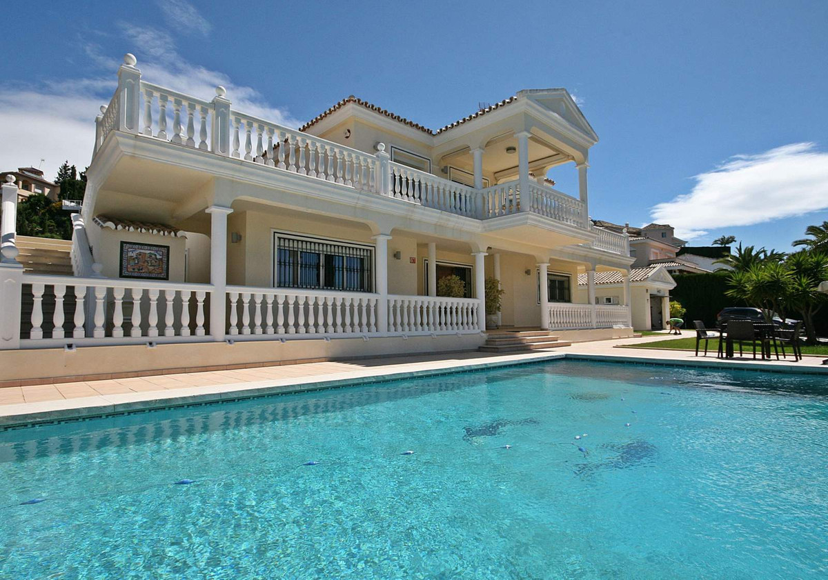 Immaculate south facing, 4 Bedroom Villa with views over Mijas Golf, complete with private pool &amp,Spain