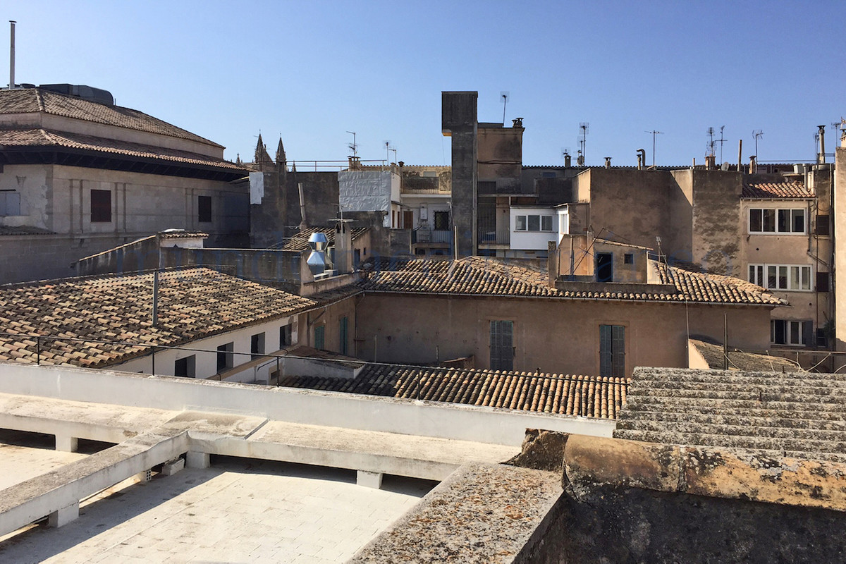 Mansion for renovation located in the heart of the old town of Palma, just 2 minutes from Paseo del ,Spain