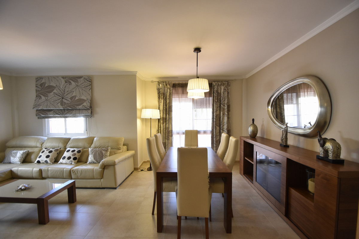 SEMI-DETACHED HOUSE IN SANTA CLARA Detached villa for sale, almost new, modern style, with its own s,Spain