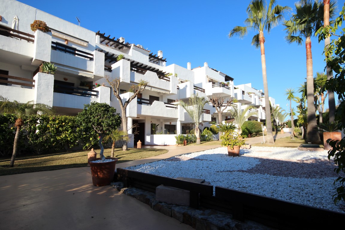 New Golden Mile, Nice and cozy apartment, next to beach, close to all amenities: supermarkets, resta,Spain