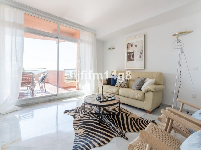Fantastic 2 bed/2 bath apartment in Magna Marbella for sale. Southwest facing and with attractive vi, Spain