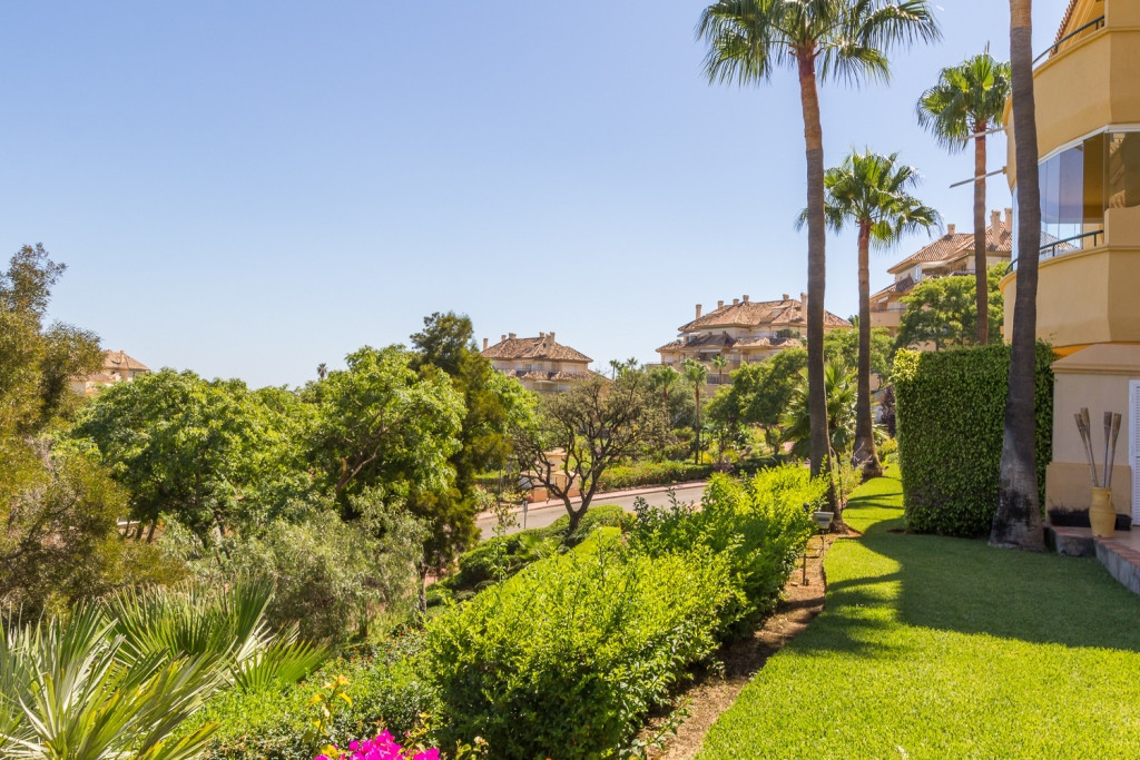 Beautiful ample south facing, two bedroom garden apartment in the sought after Elviria Hills develop, Spain
