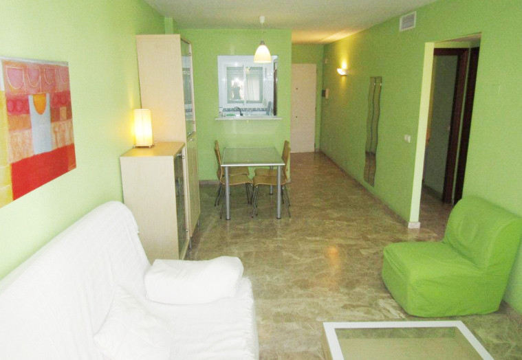 Beautiful apartment located in a few years old building 5 minutes walk from Puerto Marina and the be,Spain