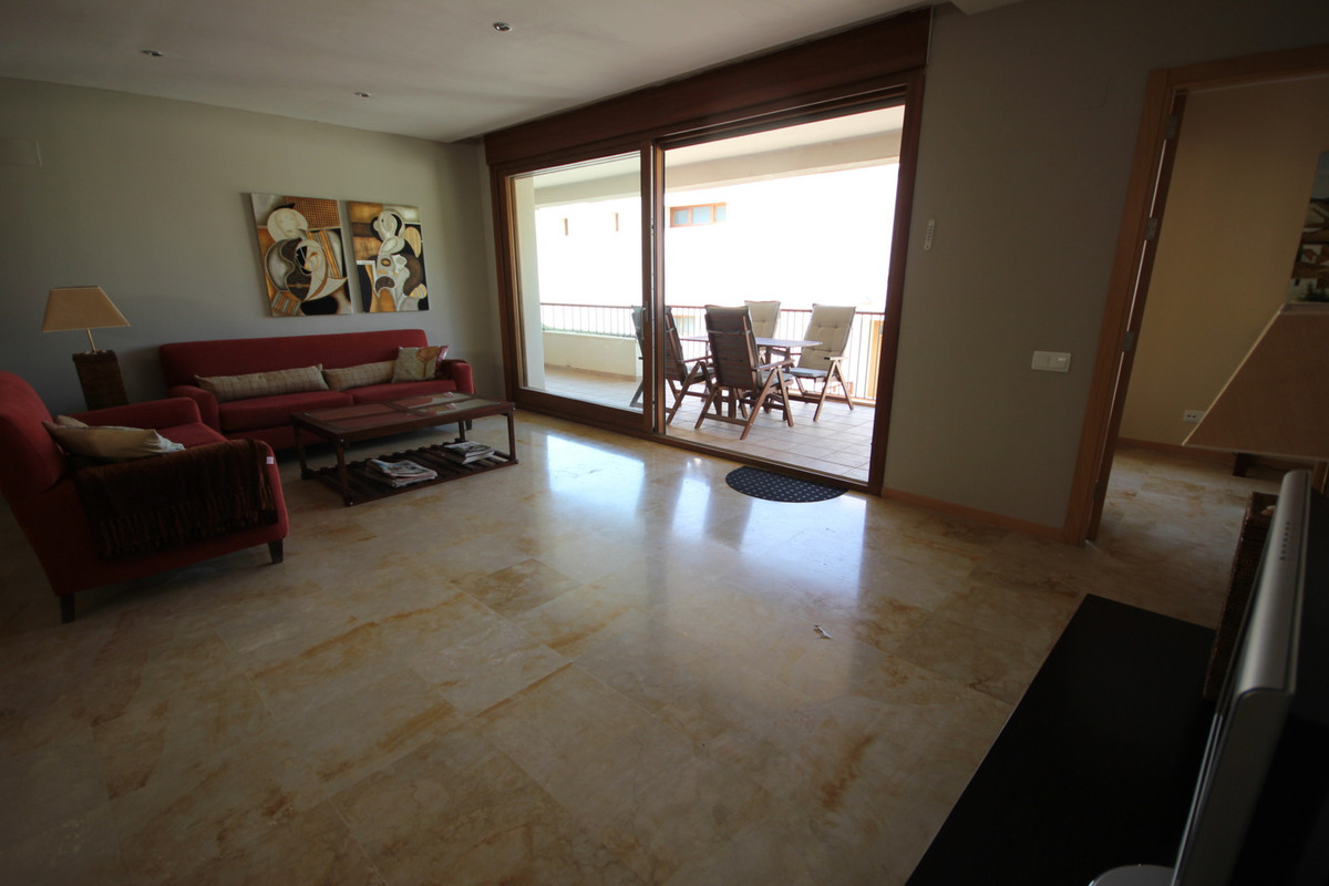 Located in one of the exclusive urbanizations of Marbella, spacious 3 bedroom apartment, 2 bathrooms, Spain