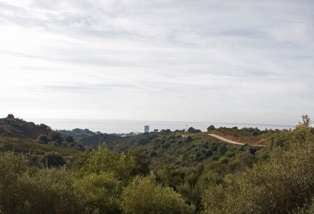 A fantastic plot boasting superb views towards the sea and African coast! It enjoys an elevated posi,Spain