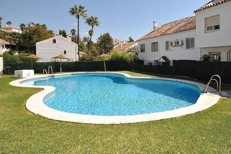 Well appointed town house minutes walk to Marbella town centre.  Property: Very pleasant, well built, Spain